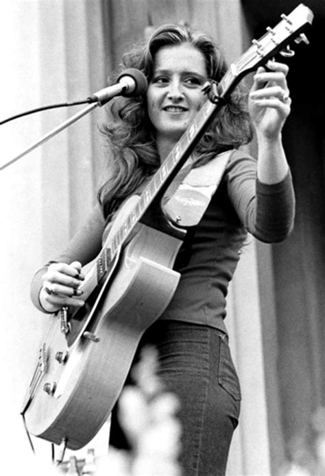 Bonnie Raitt | Women Who Rock: In the Pages of Rolling