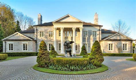 house means a casa derrubada e a mans 227 o erigida estudos b 237 blicos