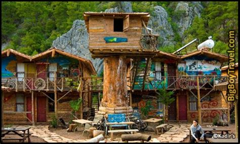 best tree houses best treehouse hotels in the world top 10