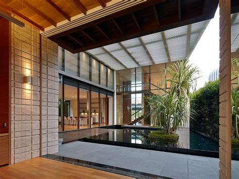 zen courtyard contemporary home  singapore inspired   traditional japanese courtyard house  stunning homes