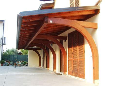 tettoie a sbalzo in legno costruire tettoia in legno pergole e tettoie da giardino