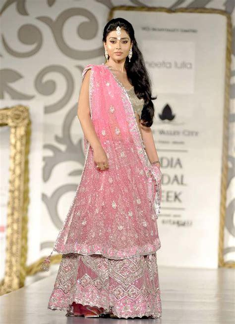 design clothes wikipedia file shriya saran bridal week 2010 png wikimedia commons