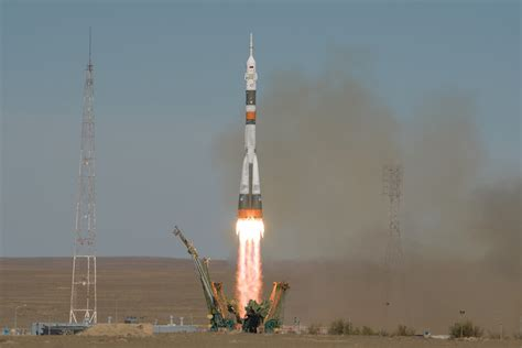 aborted soyuz launch soyuz crew lands safely after emergency launch abort