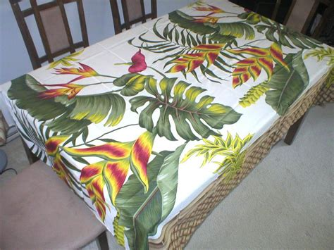 hawaiian tropical flower water resist hawaiian quilt print