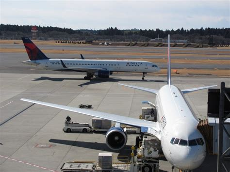 delta vies for more flights to tokyo s haneda airport including from atlanta global atlanta