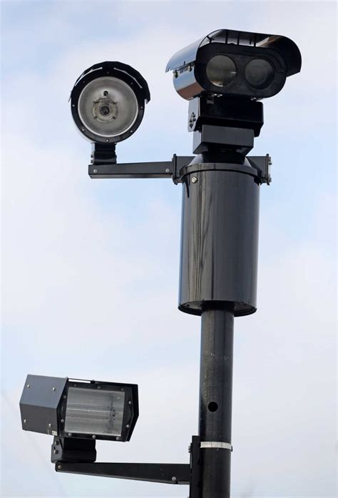 houston traffic light cameras red light cameras have mixed results houston chronicle