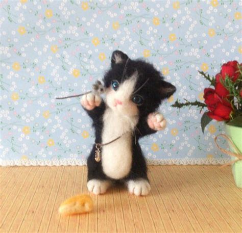 needle felted kittens how to create and lifelike cats from wool books reserved needle felt needle felted cat needle felting