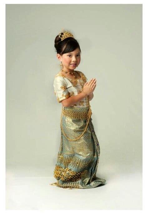 cambodian wedding on pinterest 34 pins cambodian dress alexandria araya pinterest