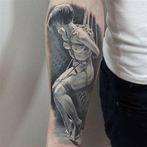 n 227 o questione as tatuagens hiperrealistas da artista
