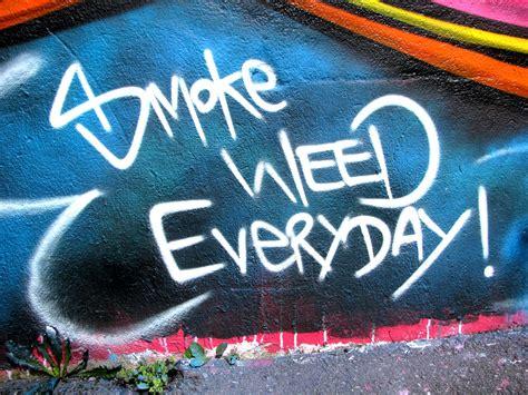 graffiti weed wallpaper graffitis smoking weed graffiti art collection