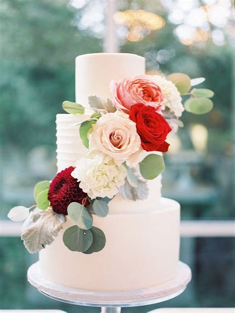wedding cake with fall flowers flower photography wedding cake and cake