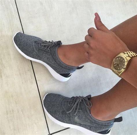imagenes zandalias nike nike sneakers shoes grey nike shoes nike running
