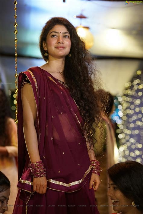 south heroine movie photos sai pallavi high definition image 2 tollywood heroines