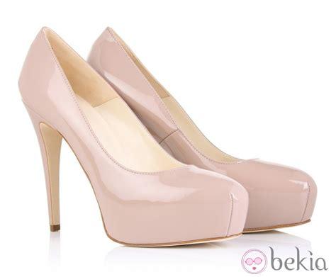 zapato color nude zapatos de tac 243 n de brian atwood color nude fotos en