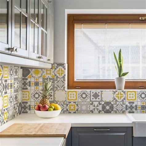 azulejo na cozinha adesivo azulejo cozinha 15x15 36un vigo amarelo e cinza