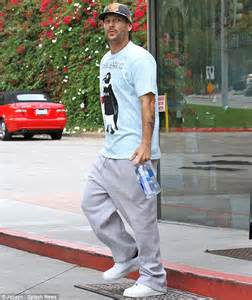 Kevin Federline Starts A Fashion Trend by Kevin Federline Finally Ditches The Baggy T Shirts And