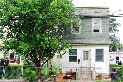 rockaway bungalows take a staycation at this restored bungalow in rockaway