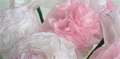 How To Make Carnations Out Of Tissue Paper - diy tissue paper carnations i do it yourself 174