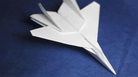 How To Make A Classic Paper Airplane - paper airplane paper airplane recycled paper reuse