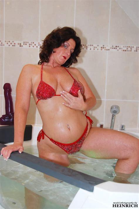 Manuela Mature Slut