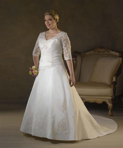 Plus Size Wedding Dresses With Sleeves by Plus Size Lace Wedding Dress With Sleeves Ipunya