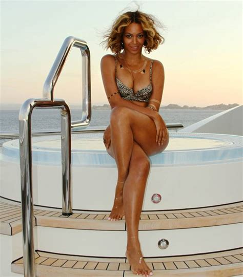 beyonc shows off new hairstyle and killer figure during beyonc 233 shows off bikini body blue ivy banana pancakes