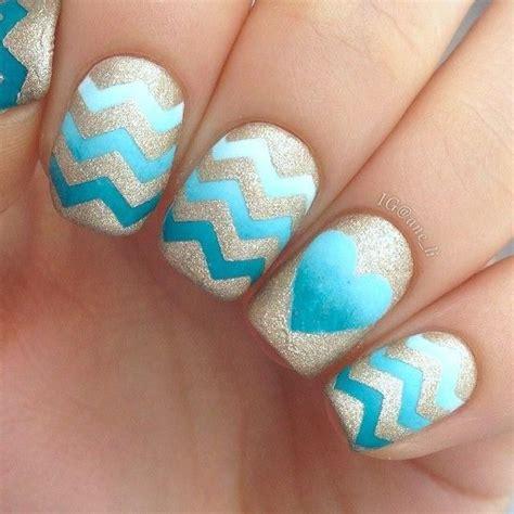 chevron pattern nails nail trend to try chevron nails pretty designs