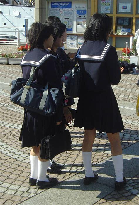 showcase should schools have uniforms persuasive essay 278759