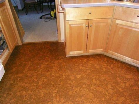 posa in opera pavimento posa in opera pavimenti in sughero pavimentazioni