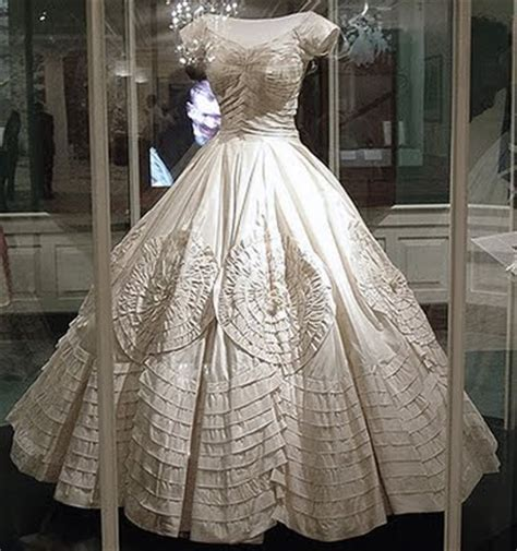Histroy And Styles Of Wedding Dresses by The History Of Wedding Dresses Discount Wedding Dresses