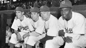 when did jackie robinson the color barrier abril 15 en la historia titanic sinks lincoln dies