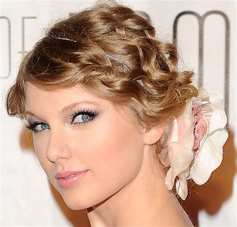 taylor swift hairstyles for curly hair taylor swift curly updo hairstyle my new hair