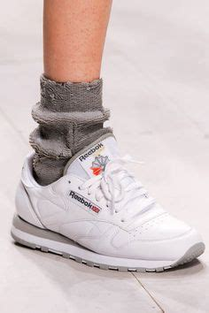 Sepatu Reebok One Trainer 1 0 supreme fall winter 2015 lookbook shops studios and