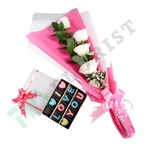 Coklat Bentuk Bunga Kecil bunga dan coklat buat hari di bekasi toko bunga di bekasi jual karangan rangkaian