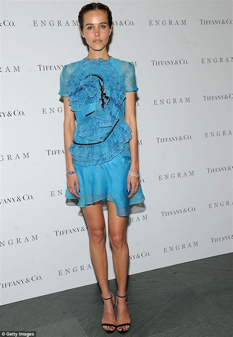 Isabel lucas dressed to frill at premiere of her new movie in new york