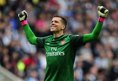 arsenal goalkeeper my confidence never gets crushed szczesny would