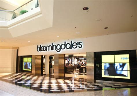 bloomingdale s the mall at