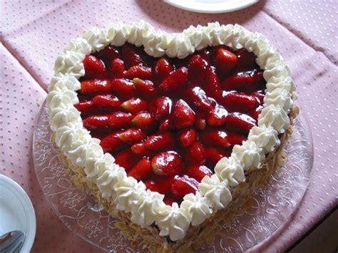 Hochzeitstorte Erdbeerherz by Kuchen Und Torten Fotoalbum Kochen Rezepte Bei Chefkoch De
