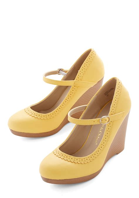 betsey johnson gleam heel in silver white