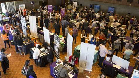 Mba Career Fairs Chicago by Kellogg Booth Students Show Increased Interest In Working