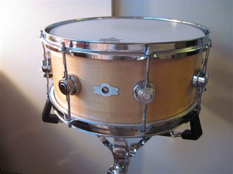 Snare Swich Dstn 04 camco the stradivarius of vintage drums not so modern drummer
