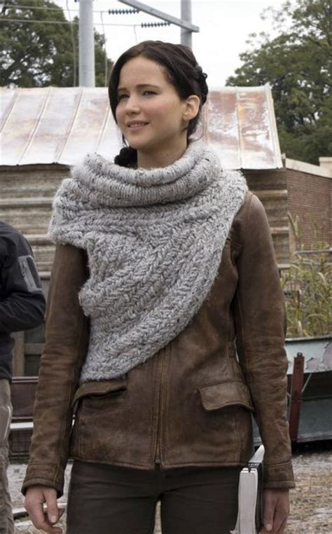 pattern for hunger games sweater katniss everdeen scarf wrap free pattern http m