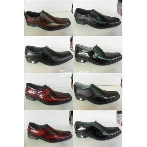 Sepatu Murah Original Cocoes Pantofel Stapler Kulit Pria Hitam sepatu pantofel berbahan kulit original berbagai macam model warna dan size sukoharjo