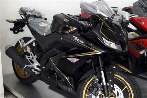 r15new model 2017 yamaha r15 v3 0 special edition spotted in indonesia the