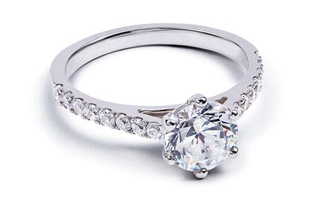 a guide to buying the engagement ring