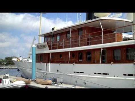 johnny depps yacht sinks image gallery johnny depp yacht sinks