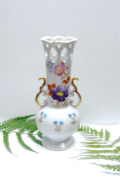 Occupied Japan Vase by Vintage Occupied Japan Vase China With Floral Design And
