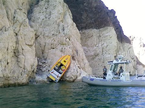 lake mead house boats boat crash at lake mead offshoreonly com