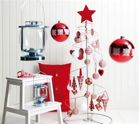 simple decoration ideas 25 simple christmas decorating ideas