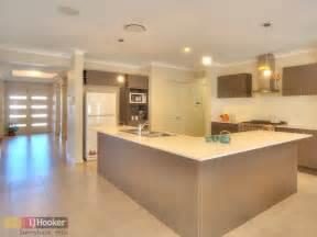 Modern l shaped kitchen design using tiles kitchen photo 242490